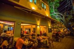 melhores-lugares-para-viajar-no-Brasil-sozinho-ouro-preto-bar Os 10 melhores lugares do Brasil para se viajar sozinho (a)