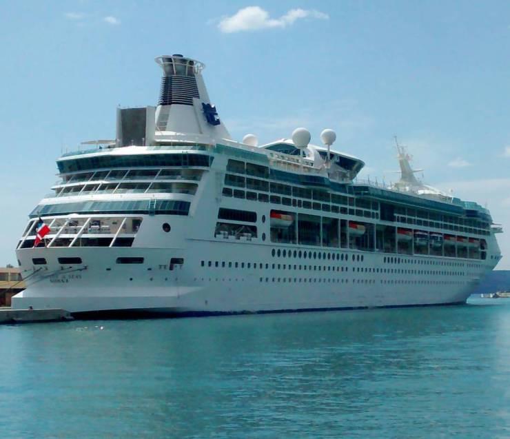 trabalhar-navio-de-cruzeiro-royal-caribbean Como é trabalhar em um navio de Cruzeiro (Já pensou nisso?)