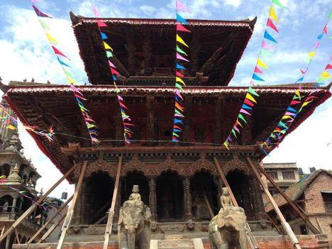 10-melhores-países-para-viajar-esse-ano-2017-nepal-Templo Os 10 melhores países para viajar esse ano! (2017)