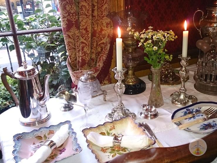 Cenários-e-Museu-de-Sherlock-Holmes-em-Londres-sala-de-jantar Cenários e Museu de Sherlock Holmes em Londres