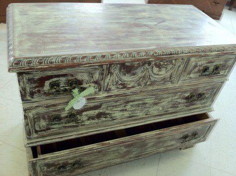 Photo Furinture Distressed Cedar Chest
