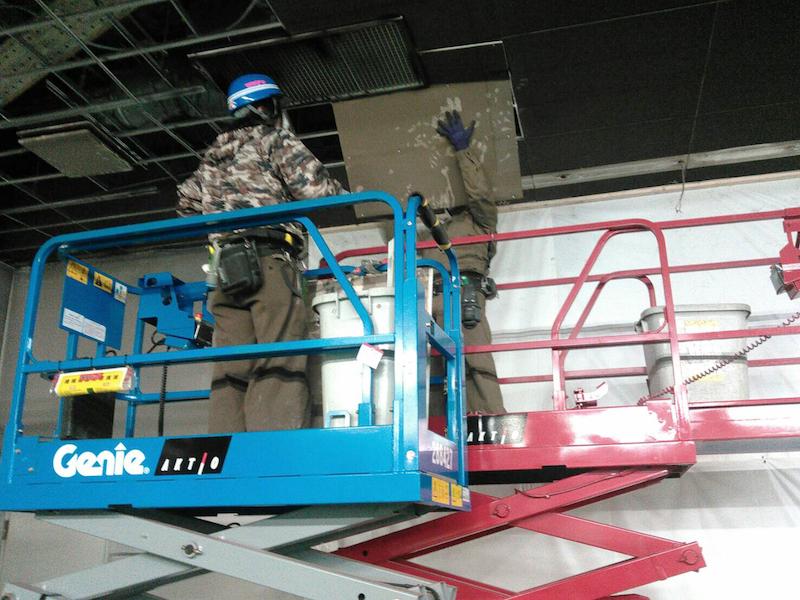 高所作業車を使用しての撤去作業-1