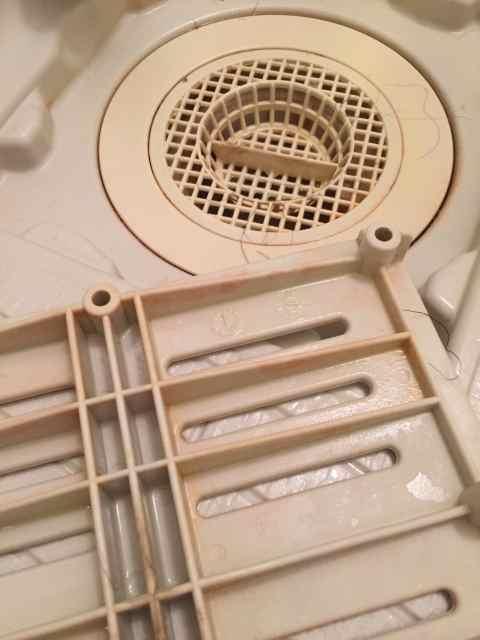 お風呂場の排水口掃除をハイターで!重曹+クエン酸を使う方法は?