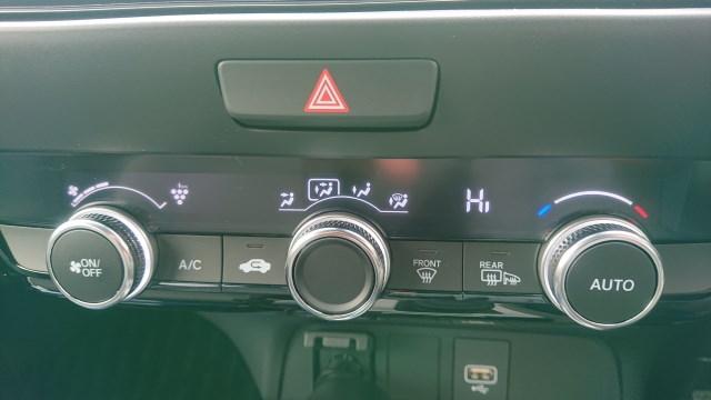車のエアコンの臭い対策!原因はカビとバクテリア!消臭剤では限界