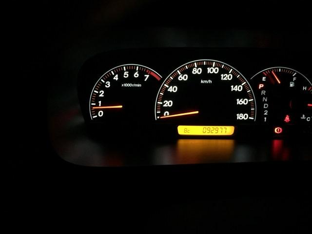 車のバッテリーランプ(充電警告灯)が点灯!点いたり消えたりする?