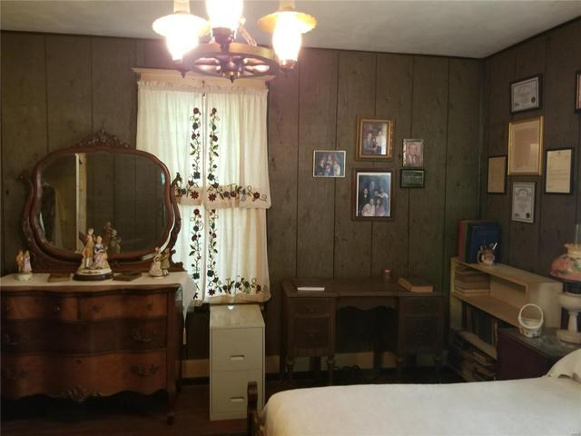 Bedroom featured at 282 Gum Tree Rd, Middle Brook, MO 63656