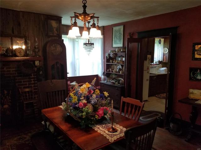 Dining room featured at 282 Gum Tree Rd, Middle Brook, MO 63656