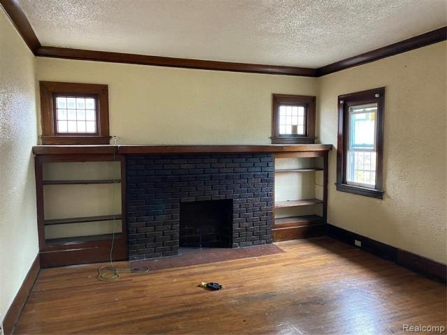 Living room featured at 2200 Lakewood St, Detroit, MI 48215