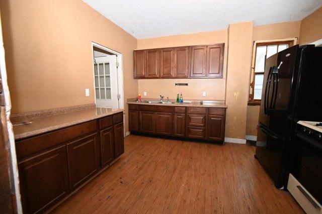 Kitchen featured at 1014 James Ave, Albert Lea, MN 56007
