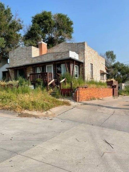 House view featured at 122 W Fifth St, Benkelman, NE 69021