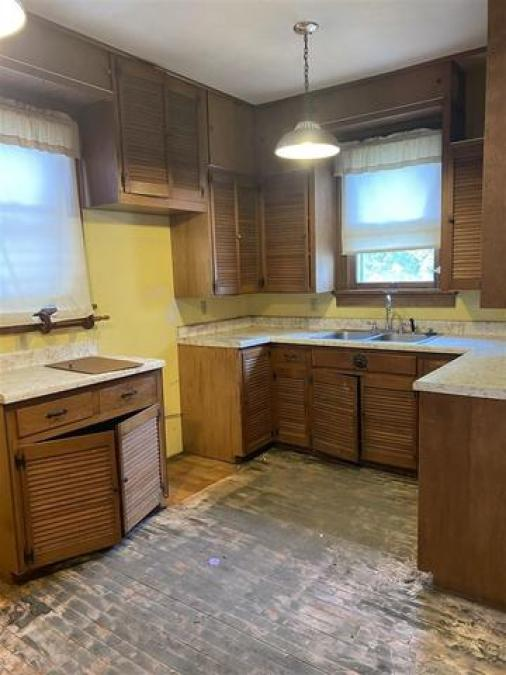 Kitchen featured at 406 S Adams St, Junction City, KS 66441