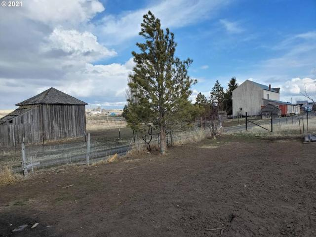 Farm land featured at 54901 Willow St, Heppner, OR 97836