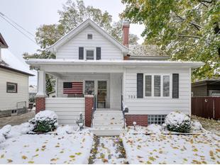 "<div></img>705 Hayes Ave</div><div>Racine, Wisconsin 53405</div>"" data-original=""/img/cdn/assets/layout/patch_white_bg.jpg""></a></figure><div class="