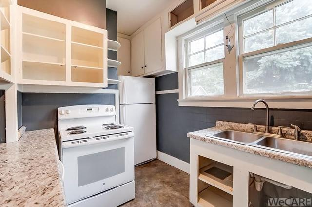 Laundry room featured at 322 Rosedale Ave S, Lima, OH 45805