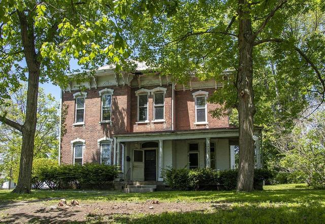 House view featured at 218 E Main St, Wabash, IN 46992