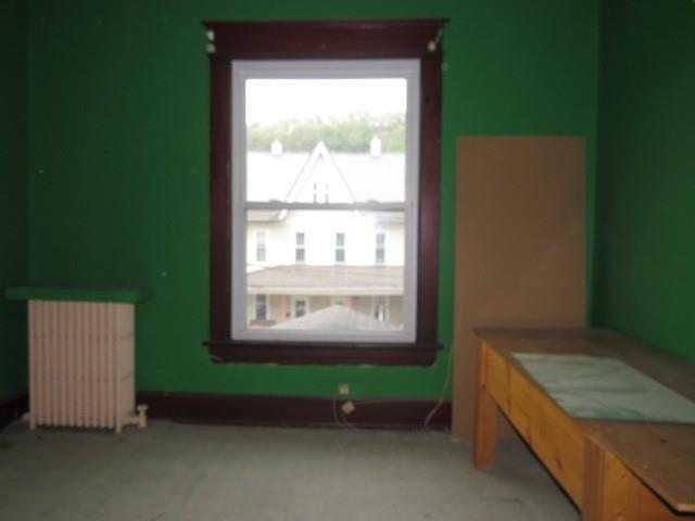 Bedroom featured at 525 Pine St, Johnstown, PA 15902