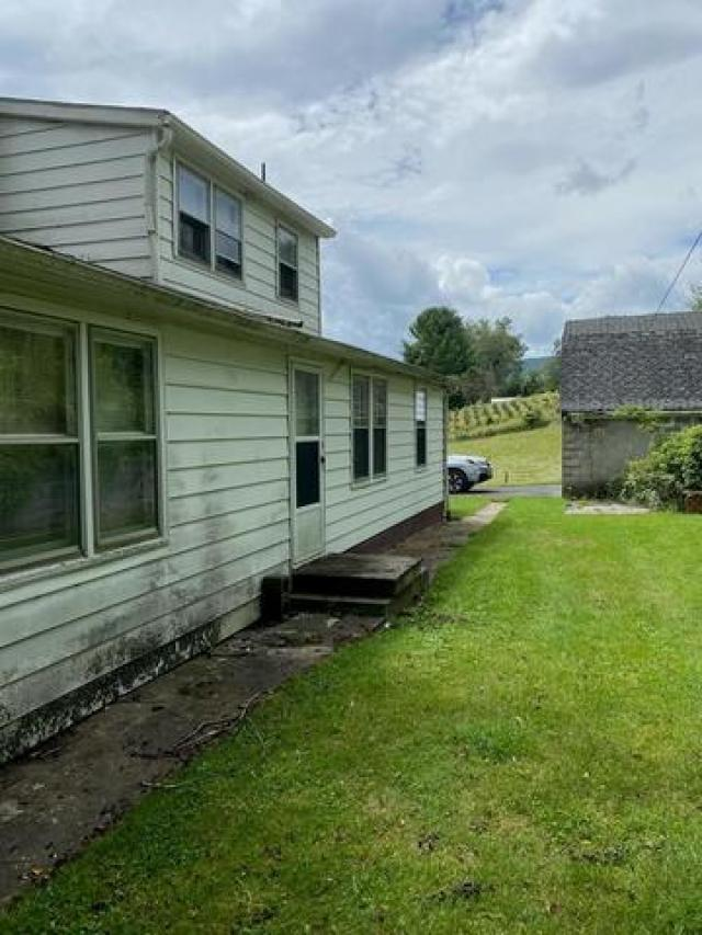 Porch yard featured at 3535 Low Gap Rd, Troutdale, VA 24378