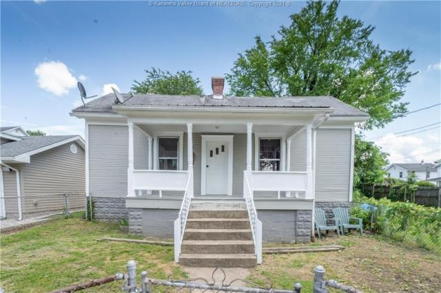 House view featured at 724 Garvin Ave, Charleston, WV 25302