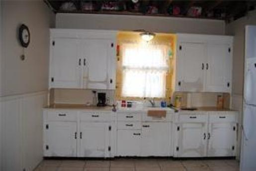 Kitchen featured at 18 Curtis Rd, Ludlow, PA 16333