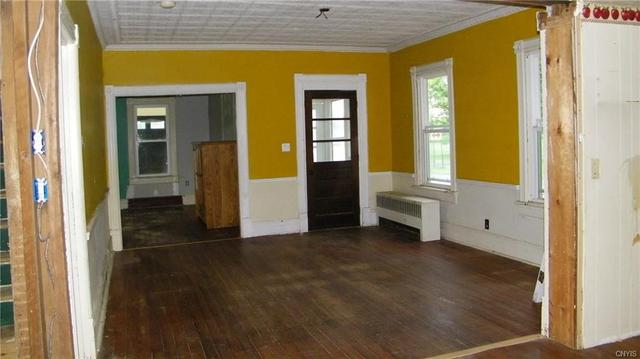 Living room featured at 5547 Lee Valley Rd, Rome, NY 13440