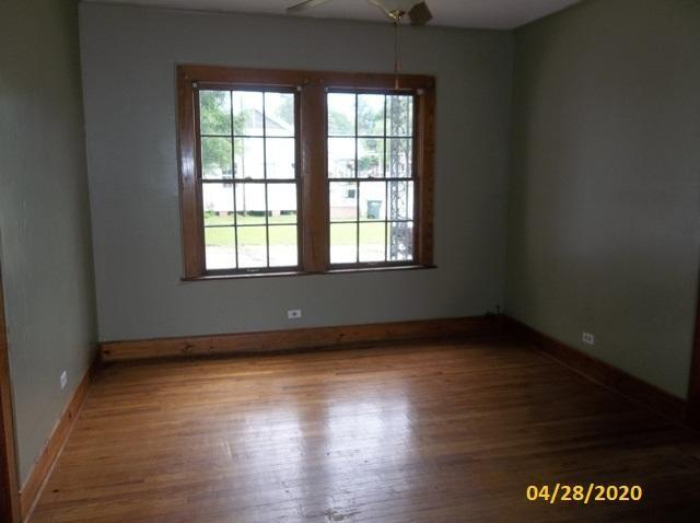 Living room featured at 104 Marion Ave, Columbia, MS 39429