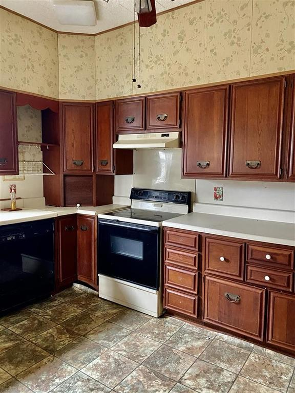Kitchen featured at 45 Laneview Concord Rd, Trenton, TN 38382