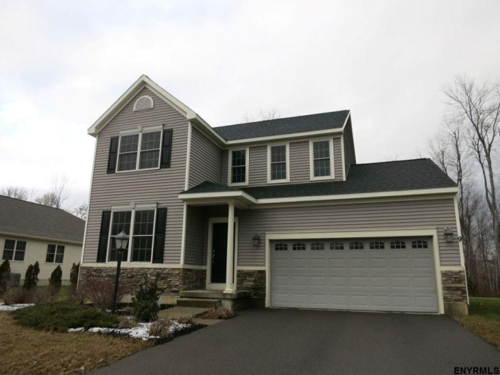 9 Mill Towne Dr, Waterford, NY 12188