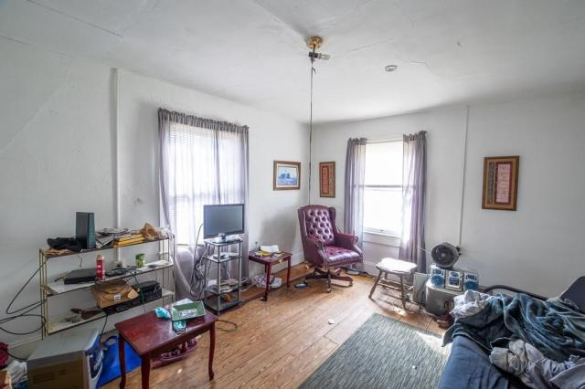 Living room featured at 119 Church St, Kenbridge, VA 23944