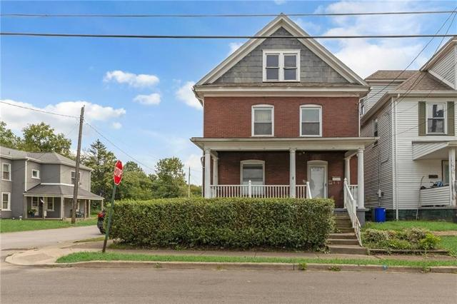 House view featured at 608 Chestnut St, New Castle, PA 16101