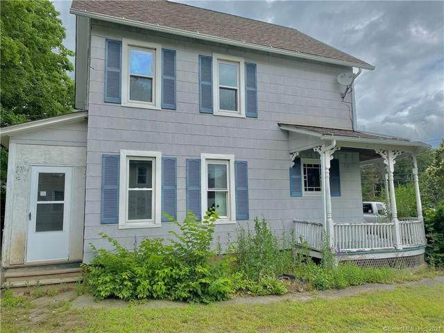 Porch yard featured at 85 Brightwood Ave, Torrington, CT 06790