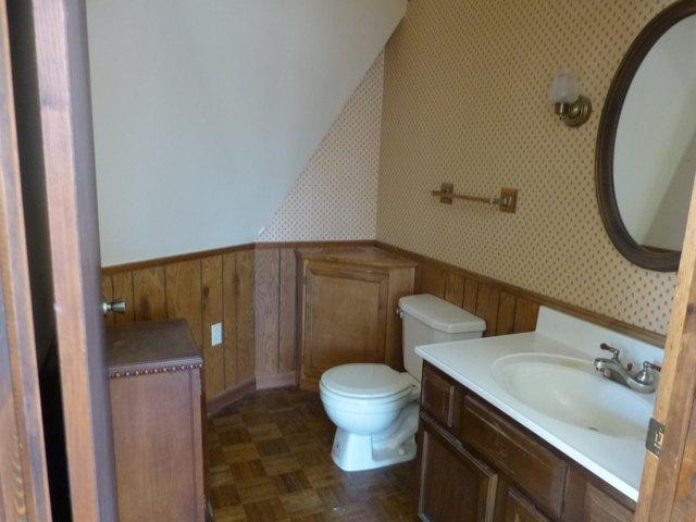 Bathroom featured at 95 Peterson Ln, Sparta, TN 38583