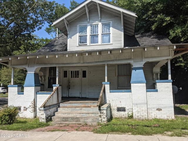 Porch featured at 506 Broad St W, Wilson, NC 27893