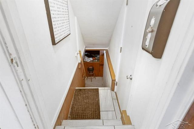Laundry room featured at 1920 Gratiot Ave, Saginaw, MI 48602