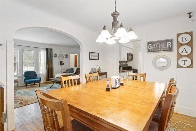 Dining room featured at 1920 Gratiot Ave, Saginaw, MI 48602