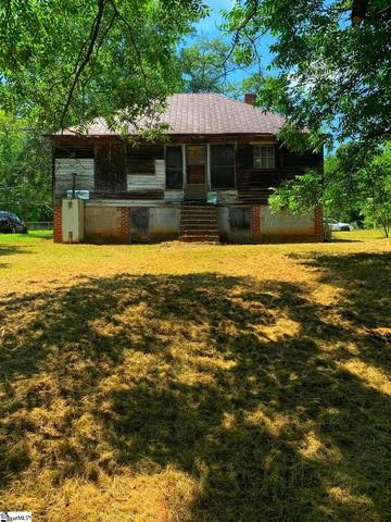House view featured at 122 Harrisburg St, Abbeville, SC 29620