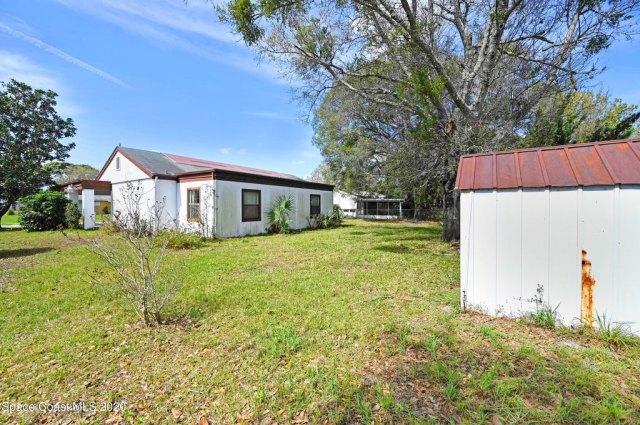 Yard featured at 1251 Freil Rd NE, Palm Bay, FL 32905