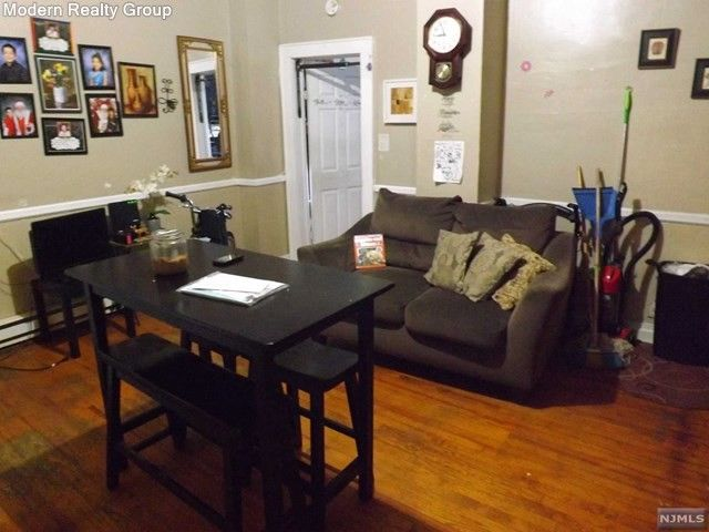 living room furniture newark nj canvas art uk 668 n 6th st 07107 realtor com