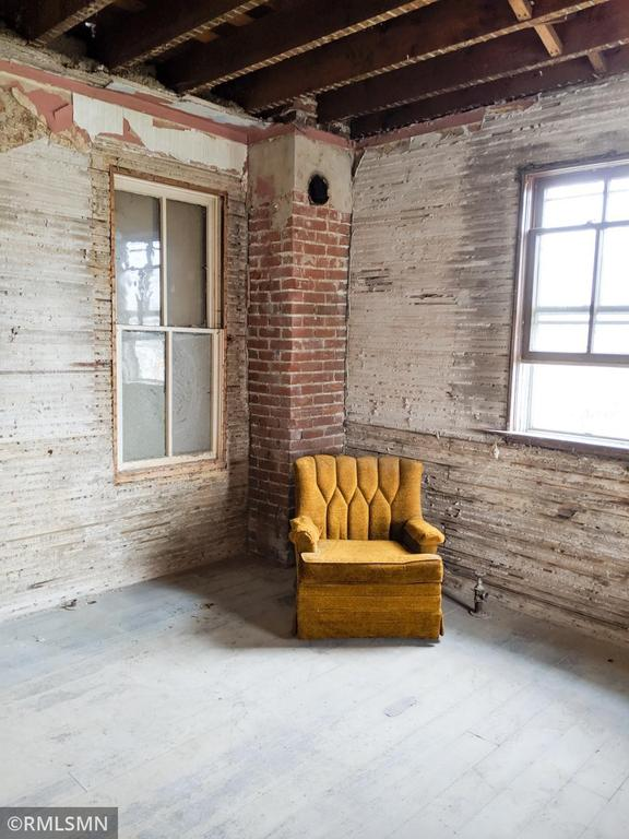 Porch featured at 407 W Alden St, Arlington, MN 55307