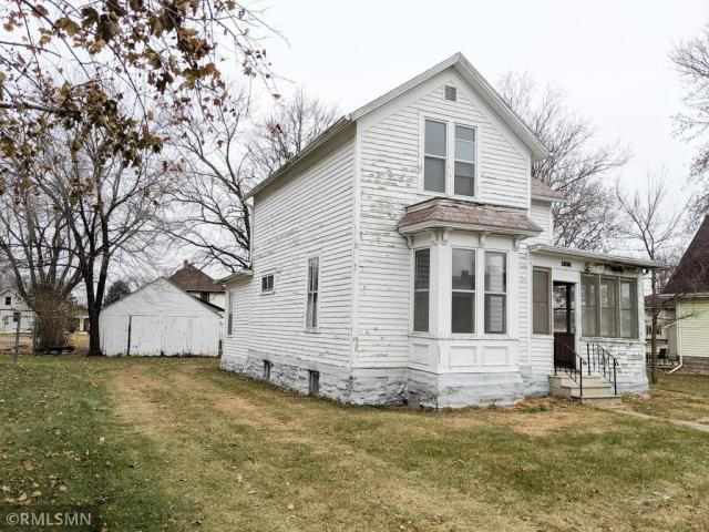 House view featured at 407 W Alden St, Arlington, MN 55307