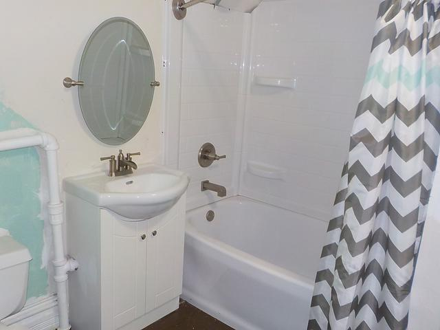 Bathroom featured at 424 S 4th St, Rockford, IL 61104