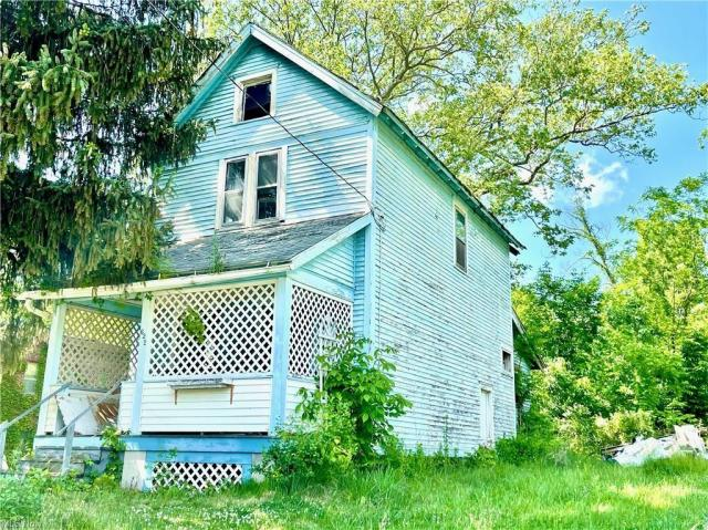 House view featured at 622 Willis Ave, Youngstown, OH 44511