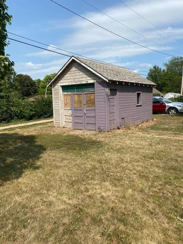 Farm land featured at 410 5th Ave W, Lamberton, MN 56152