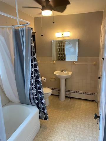 Bathroom featured at 410 5th Ave W, Lamberton, MN 56152