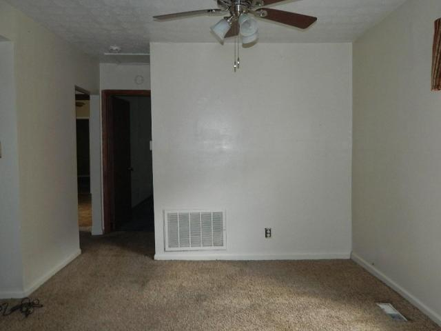 Bedroom featured at 64 Parkway Dr, Williamson, WV 25661