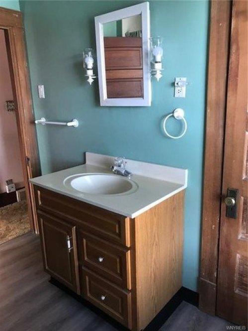Bathroom featured at 2456 Ontario Ave, Niagara Falls, NY 14305