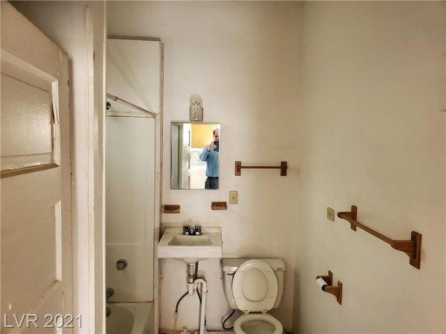 Bathroom featured at Tonopah, NV 89049