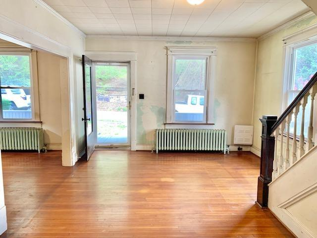 Living room featured at 629 Roxbury St, Clifton Forge, VA 24422