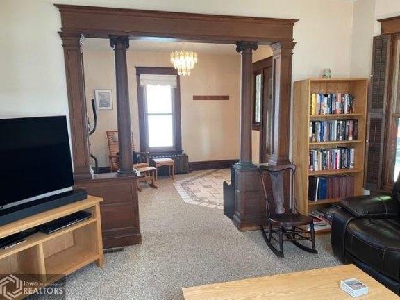 Living room featured at 807 N 8th St, Burlington, IA 52601