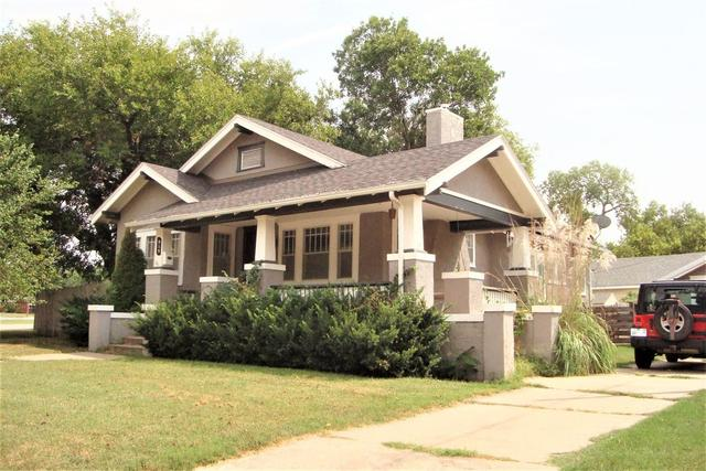 House view featured at 815 E Main St, Marion, KS 66861