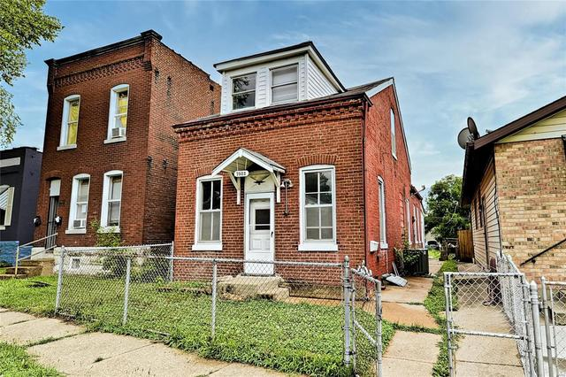 House view featured at 7522 Vermont Ave, Saint Louis, MO 63111